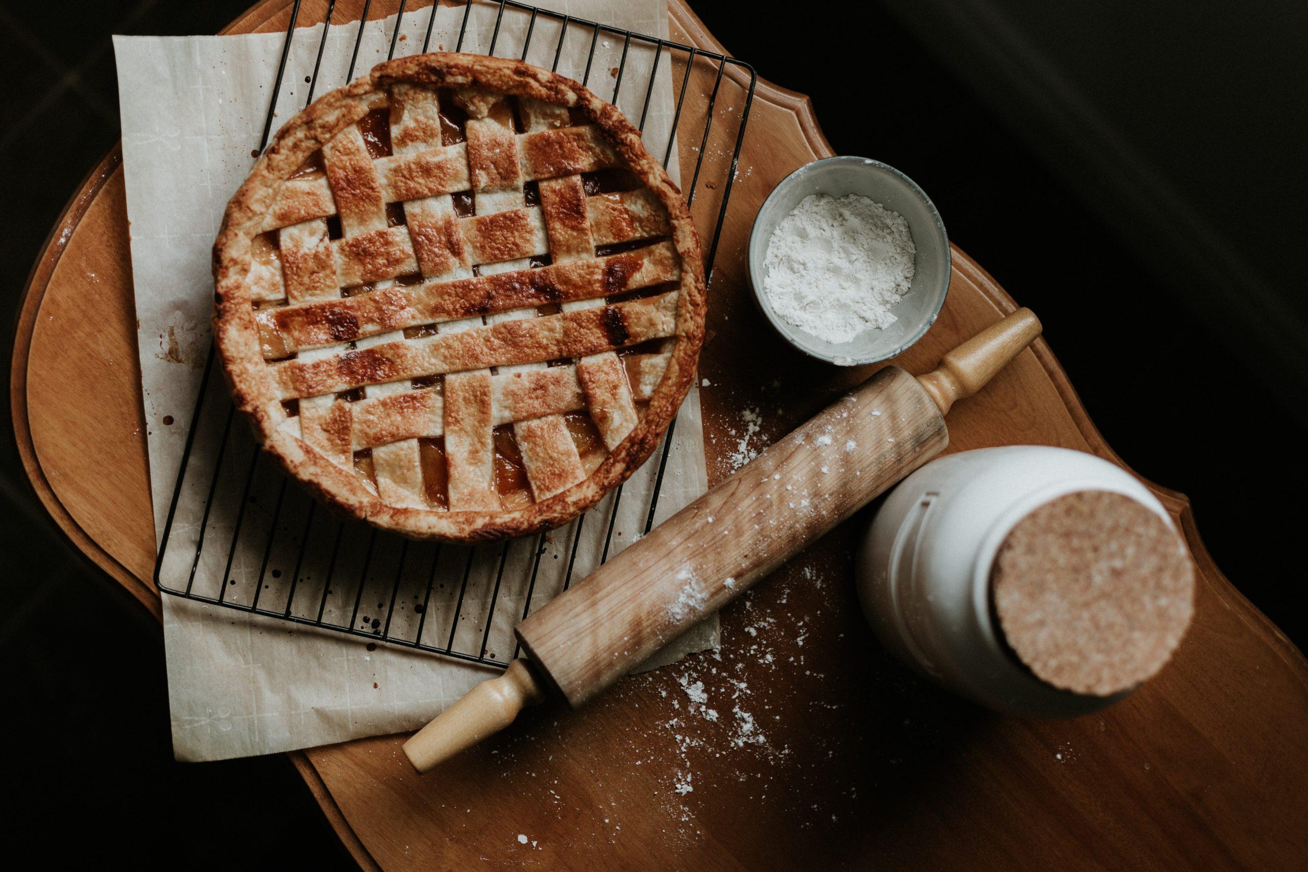 Apple Pie by Priscilla Du Preez via Unsplash